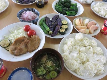 色よく仕上がった野菜は食欲をそそります